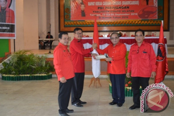 PDIP Resmi Usung Pasangan Farid-Sukanto ke Pilkada Barsel