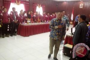 Bupati Lamandau Puas Hasil KKN Mahasiswa Antakusuma
