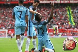 Manchester City Bantai Stoke City