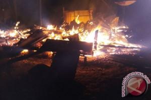 Kebakaran Hanguskan Dua Rumah Di Kotawaringin Timur