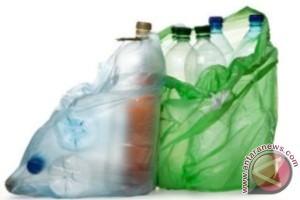 Di Daerah Ini Datang Ke Kecamatan Wajib Bawa Sampah Plastik, Kenapa?