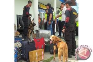 BNNP Kalteng Periksa Penumpang Bandara Sampit