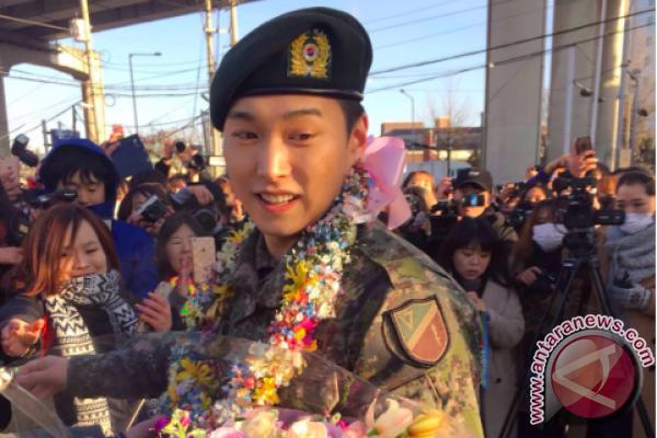 500 Lebih Penggemar Berkumpul Menunggu Sungmin Suju Yang Selesai Ikuti Wajib Militer