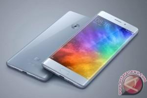 Xiaomi Bantah Flat Screen Mi Note 2, Kenapa Ya?