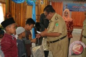 Khitanan Massal Untuk Peringati HUT Korpri dan DWP Sukamara