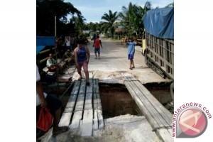 Jembatan Titian Tani di Mangkatip Barsel Perlu Perbaikan