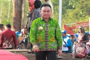 Gubernur Kalteng Lantik Bupati Barsel-Kobar di Palangka Raya