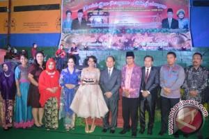Nowela Idol Meriahkan Natal Gabungan di Kapuas
