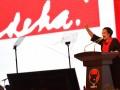 Ketua Umum PDI Perjuangan Megawati Soekarnoputri meneriakkan salam kebangsaan ketika menyampaikan pidato politiknya pada acara Perayaan Hari Ulang Tahun (HUT) ke-44 PDI Perjuangan di JCC, Senayan, Jakarta, Selasa (10/1). HUT partai berlambang banteng itu mengambil tema 'PDI Perjuangan Rumah Kebangsaan Untuk Indonesia Raya'. ANTARA FOTO/Widodo S. Jusuf