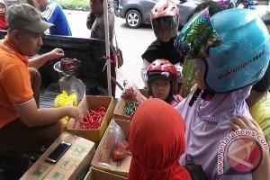 Warga Kotim Sambut Pasar Murah Disperindag