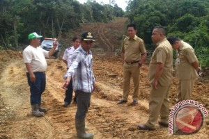 Syukur! Pemkab Barito Utara Bangun Jalan Tembus Desa Sabuh