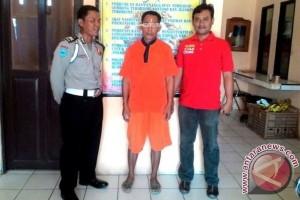 Pria Bawa Senjata Tajam di Barsel Diamankan Polisi