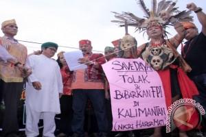 Suku Dayak Kalteng Minta FPI Dibubarkan