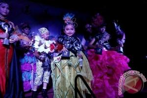 Anak Usia 6 Tahun Asal Kapuas Raih Juara Umum Lomba Busana Batik