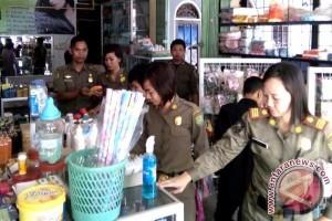 Puluhan Satpol PP Cek Perijinan Di Wilayah Tamiang Layang