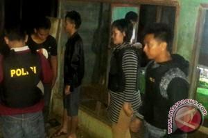 Mabuk! Seorang Pemuda Ditangkap Polisi Di Warung Remang-Remang