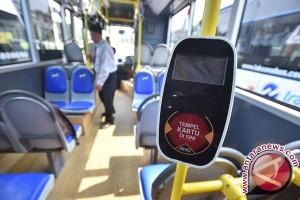 Pemprov DKI Terima 20 Mobil Transjakarta Cares Khusus Penyandang Disabilitas