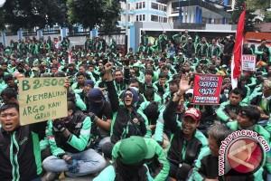 Sopir Angkot-Ojek Online Tangerang Sepakat Berdamai
