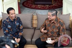 Presiden Jokowi Diskusi Soal Politik Dengan SBY