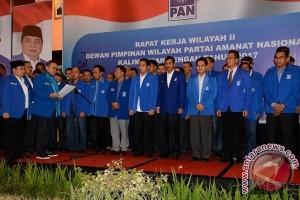 Zulkifli Hasan Instruksikan Kader PAN Dukung Penuh Gubernur Kalteng