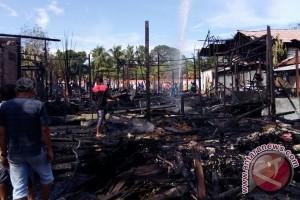 Waduh ! 6 Rumah di Pembuang Hulu Hangus Terbakar