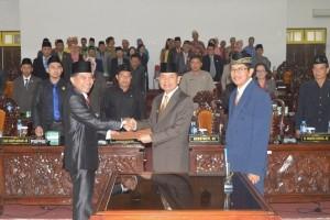 Bupati Kapuas Terima Rekomendasi DPRD Atas LKPJ 2016