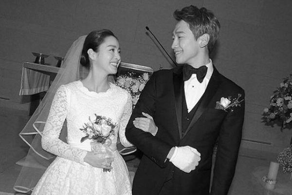 Kim Tae-hee tampil perdana pasca melahirkan