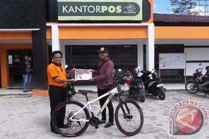 Hore! Warga Sampit Dapat Hadiah Sepeda dari Presiden Jokowi