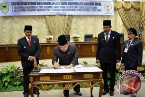 DPRD Barito Utara Sampaikan Rekomendasi LKPj Bupati