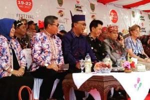 Bupati Barito Utara Hadiri Festival Budaya Kalteng di Sampit