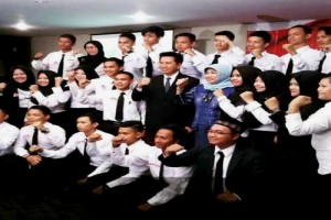 Bupati Lantik Pengurus Mahasiswa Barut di Palangkaraya