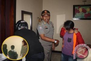 Asyik Ngamar! 2 Pasangan Bukan Muhrim Terjaring Razia di Wisma