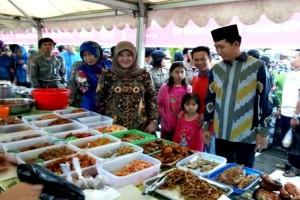Bupati Barito Utara Buka Pasar Wadai Ramadhan