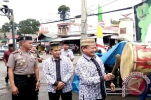 Bupati Bartim Buka Pasar Ramadhan di Tamiang Layang dan Ampah