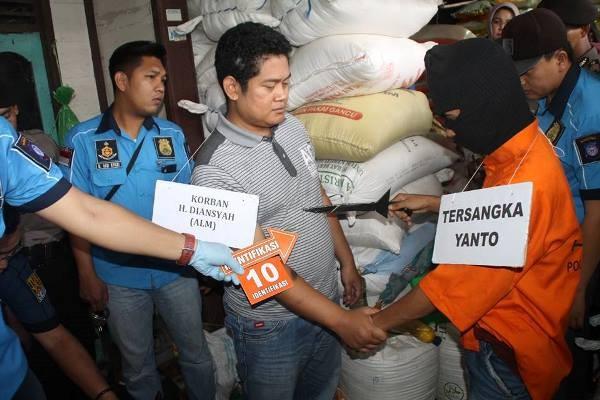 Rekontruksi Pembunuhan Pedagang Sembako H Diansyah Nyaris Ricuh