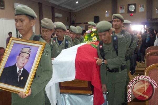 Jenazah Wakil Ketua DPRD Kotim Dimakamkan