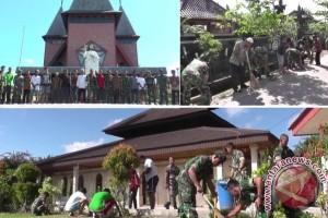 TNI dan Umat Lintas Agama Bersihkan Tempat Ibadah