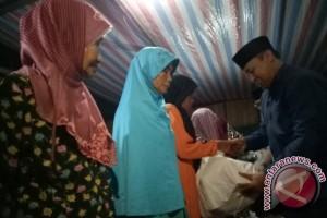 Bupati Pulpis Serahkan Bantuan ke Masjid Darul Qudus dalam Safari Ramadhan