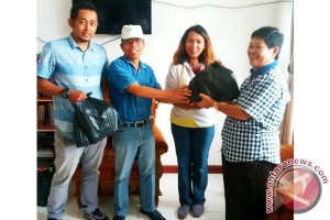 PWI Kalteng Bagikan 130 Paket Lebaran