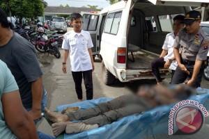 Diduga Soal Warisan, Ayah Tiri Tewas Dibacok di Kapuas