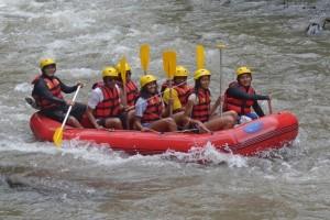 Isi Liburan di Bali, Obama Pilih Arung Jeram di Sungai Ayung