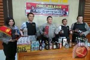 Sip! Polisi Gagalkan Peredaran 960 Botol Minuman Keras