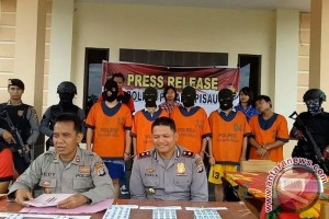 4 Tenaga Teknis PLTU Desa Buntoi Asal China Ditangkap Petugas Saat Bermain Judi