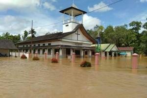 Banjir Lumpuhkan Aktivitas Warga 6 Desa di Banama Tingang