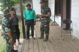 Kodim Sampit Bantu Pengobatan Korban Banjir Katingan
