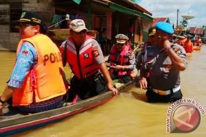Korban Banjir di Banama Tingang Enggan Direlokasi, Wakapolda Kalteng Cek ke Lokasi