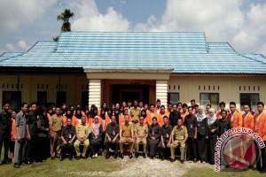 Program KKN Rekatkan Mahasiswa Dengan Masyarakat, kata Bupati Eddy Raya