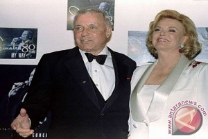 Berduka, Istri Frank Sinatra Meninggal Dunia