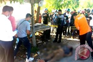 Seorang Perempuan Ditemukan Tewas di Bawah Pohon Pinggir Jalan RTA Milono