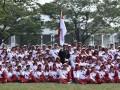 Presiden Joko Widodo (tengah) foto bersama dengan kontingen Indonesia ke SEA Games XXIX Malaysia di Kompleks Istana Kepresidenan, Jakarta, Senin (7/8). Presiden berpesan kepada seluruh atlet Indonesia untuk menunjukkan daya juang tinggi dan sportif saat berlaga dalam SEA Games XXIX di Kuala Lumpur, Malaysia, 19-30 Agustus 2017. ANTARA FOTO/Puspa Perwitasari